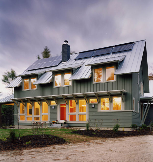 Freeport, Maine - Combo Solar Hot Water and Solar Power