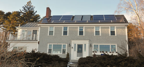 South Freeport, Maine - Combo Solar Electric and Solar Hot Water