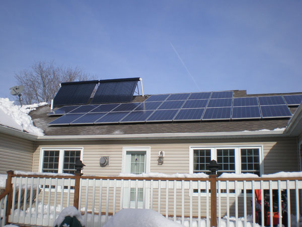 Kennebunk, Maine - Combo Solar Hot Water and Solar Power