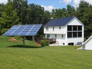 Londonderry, NH - Solar PV Tracker and Roof Mount