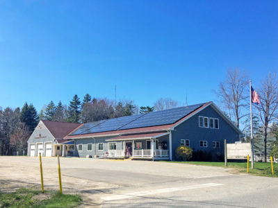 Rooftop solar array on the Islesboro, ME town offices